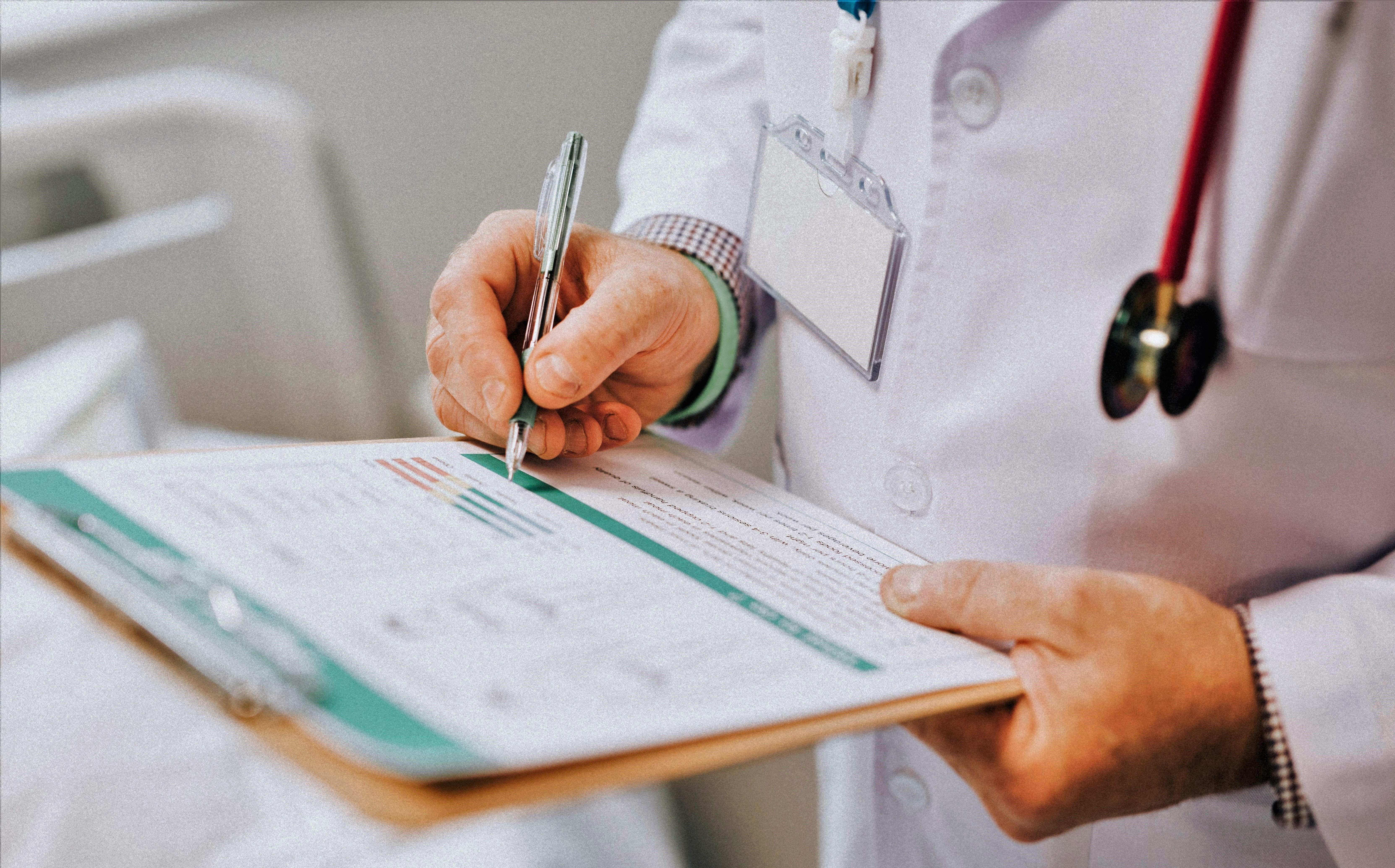 Psihijatar može da prepiše i određenu terapiju lekovima